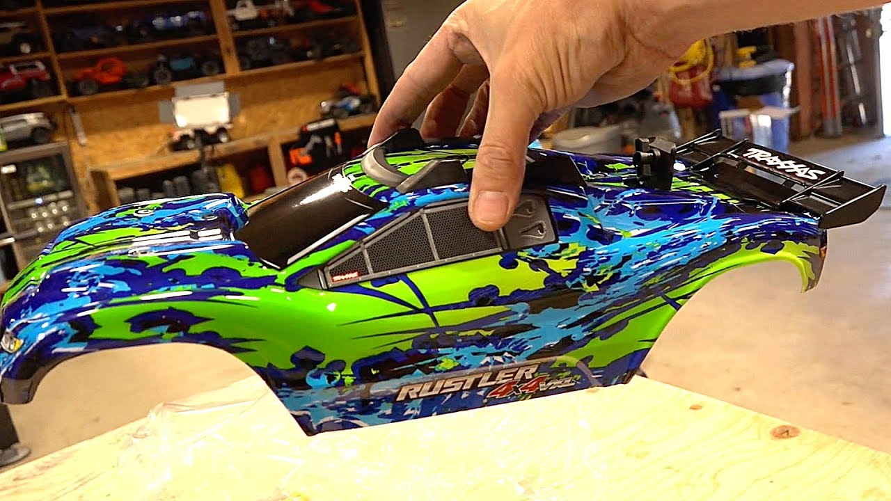 UNBOXiNG the NEW TRAXXAS RUSTLER 4X4 VXL! | RC ADVENTURES