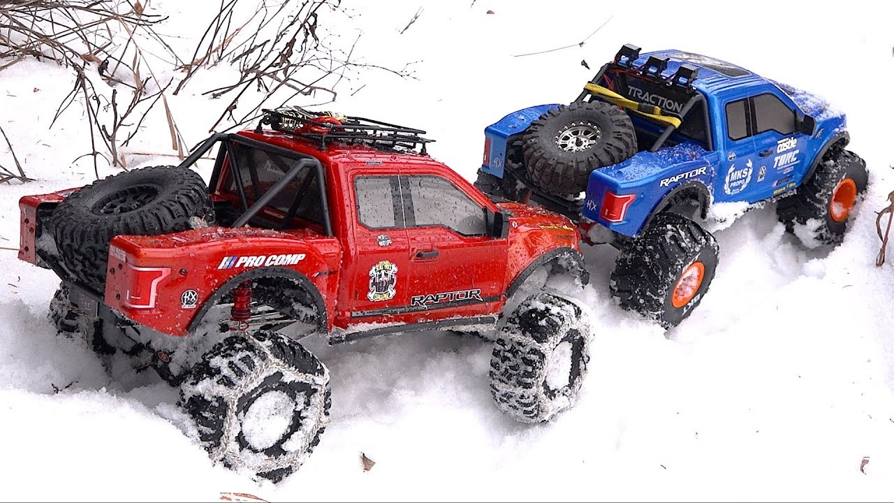 RED & BLUE Ford F150 RAPTORS – SNOW at TOPLESS CREEK: 1/8 scale Cragsman | RC ADVENTURES