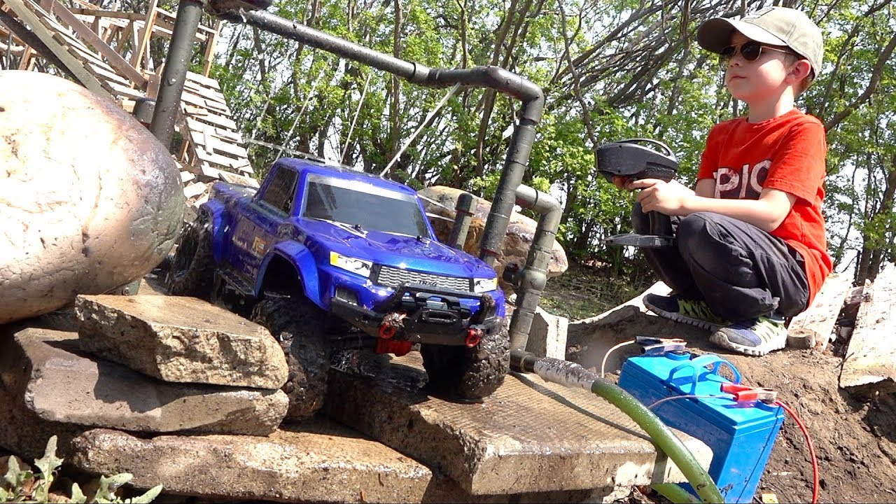 WE INVENTED a TRUCK-WASH on the Muddy Backyard Trail 4X4  Course!   RC ADVENTURES