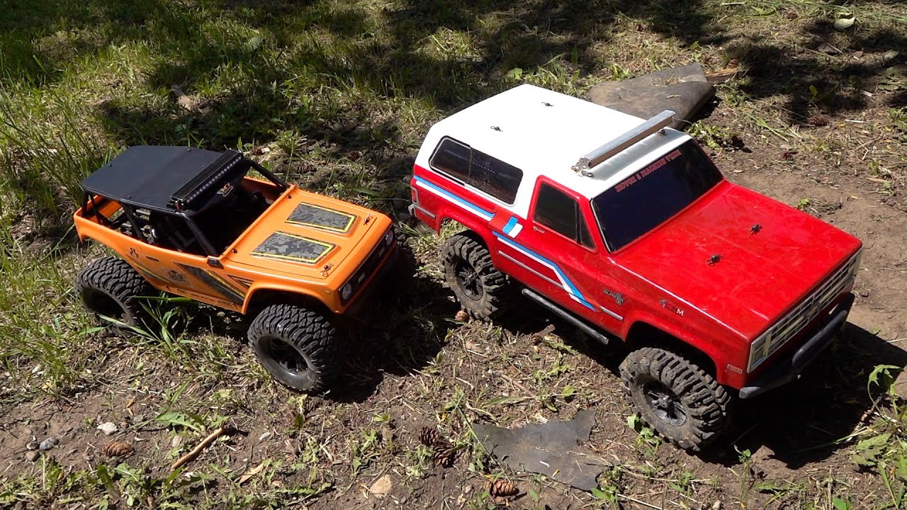 Backyard Trail Park: Two Trucks Compete on Course | RC ADVENTURES