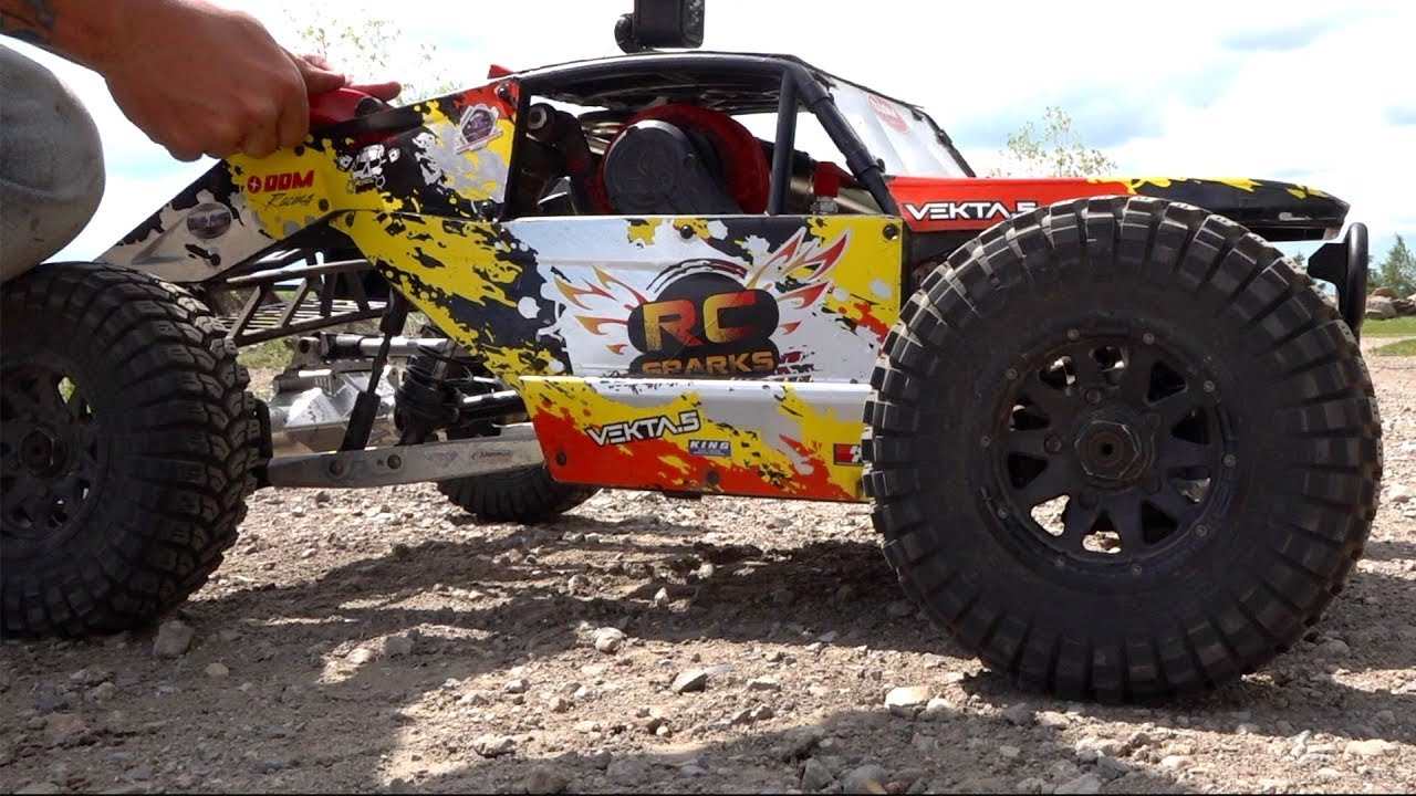 HUGE TIRES on my KRAKEN VEKTA 5 32cc GAS Race Truck : MAXXIS TREPADORS | RC ADVENTURES