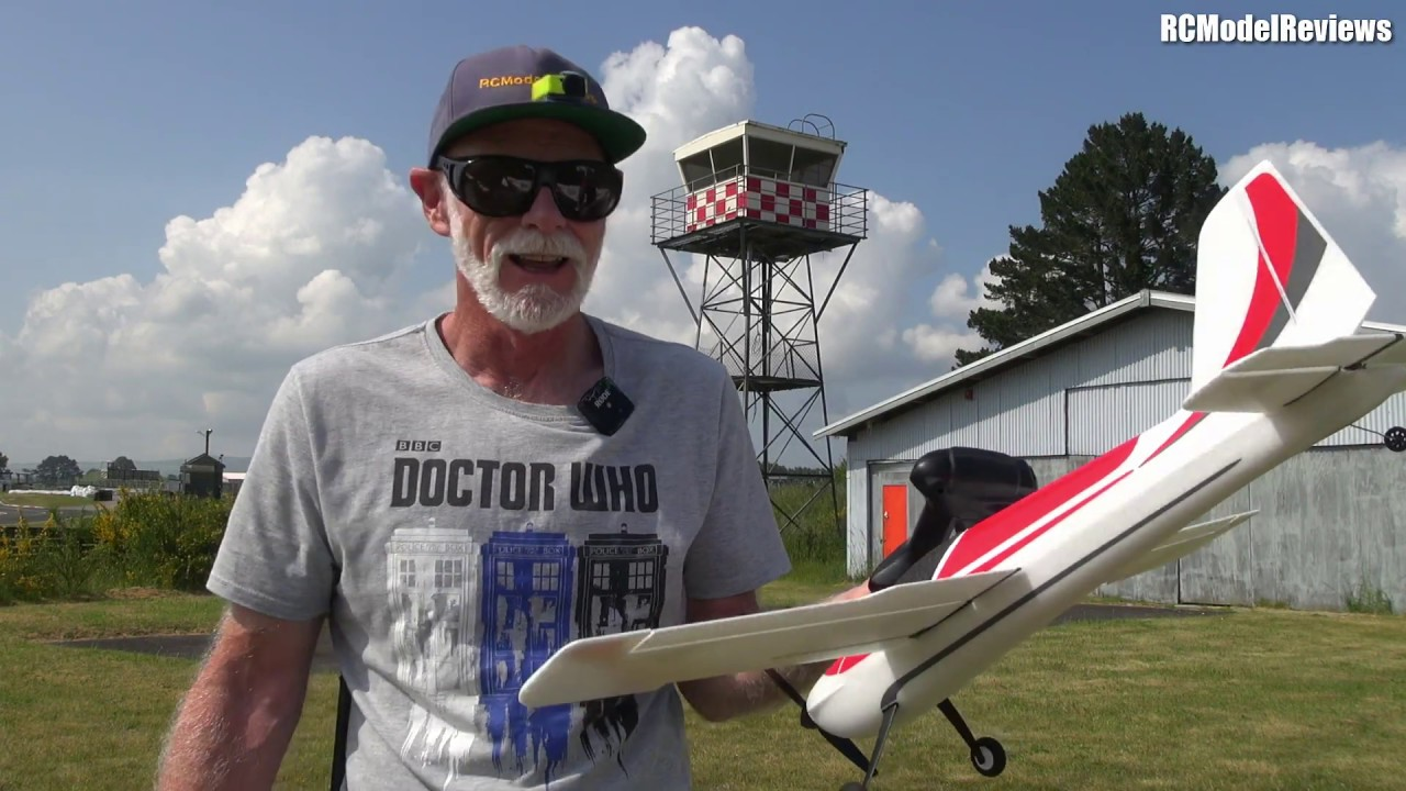 OMP S720 an RC plane that is touchy but fun to fly