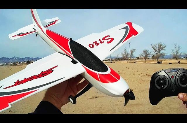 OMPHobby Sunnysky S720 Brushless Four Channel Stunt Trainer Plane Flight Test Review