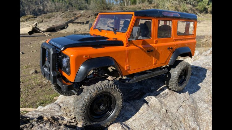 GIGANTIC DEFENDER! – DOUBLE-E LAND ROVER DEFENDER 1/8th Truck – High Rocks Review ?