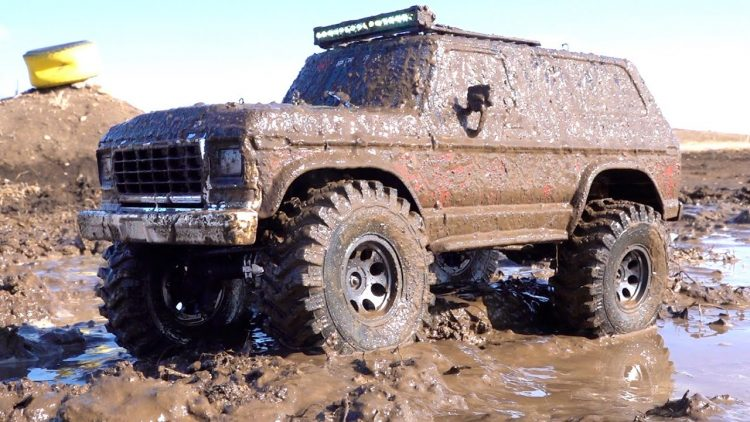 LOCKDOWN: MUD HOG FORD BRONCO – RED NECK MUCKY SWAMP BOG  PAINT JOB – TRAXXAS TRX4 | RC ADVENTURES