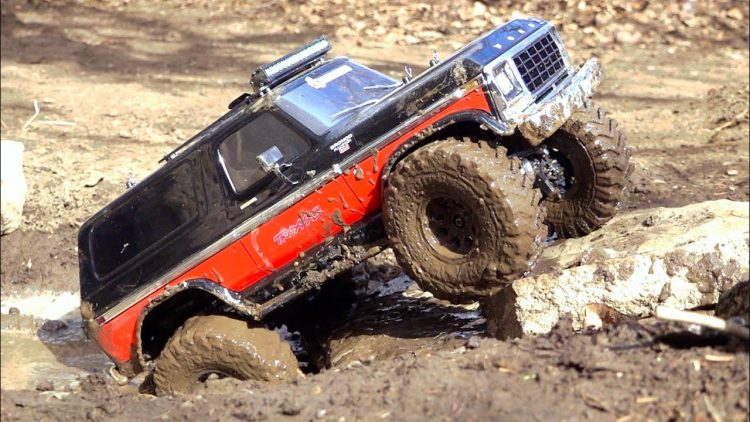 NEW BACKYARD TRAiL PARK CHANGES & DENTSiDE FORD BRONCO Tests Course for FiRST TiME | RC ADVENTURES
