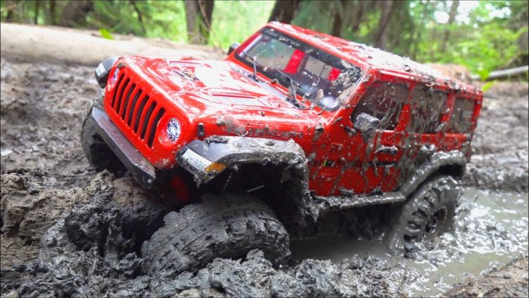 JLU STUCK in THICK MUD! 2020 AXIAL SCX10 3 PORTAL & DIG 4×4 Trail Ready JEEP – RTR | RC ADVENTURES