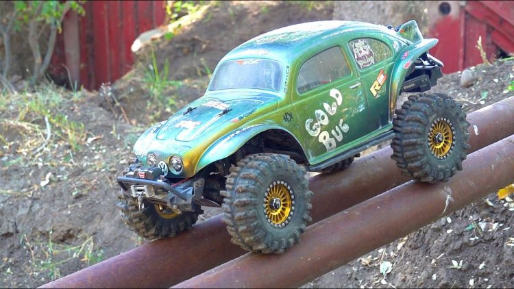 "A ""TR-UG"" named ""GOLD BUG""! VW V8 tackles the BACKYARD TRAiL PARK!  