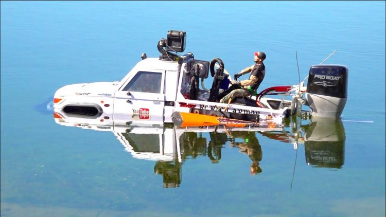 I'M HERE TO STAY! TRUCK with a BOAT MOTOR – TOYBOTA CROSSES OPEN WATER   RC ADVENTURES