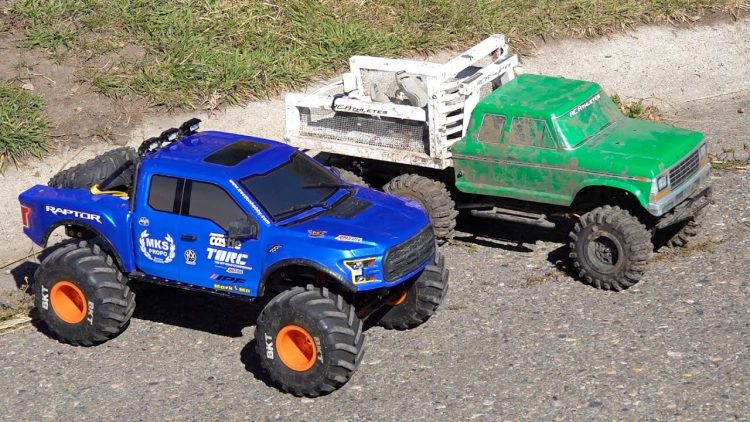 WHO WILL WiN? TUG of WAR & TRAiL TRUCKiNG! CLASSIC '79 FORD 6×6 vs 4×4 FORD RAPTOR | RC ADVENTURES